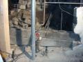 2. skift. Vannrør ble støpt inne i den sprekken det lå i. Her vises også jording for det eksisterende elektriske anlegget. 2 jordspyd som er slått ned gjennom gulvet + kobber vannrør
